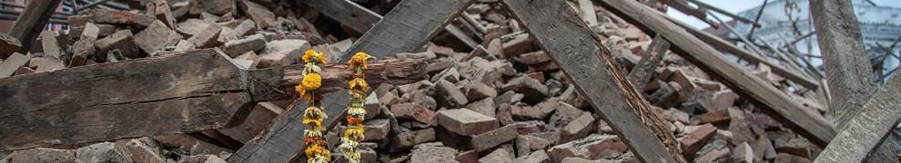 ss-150425-nepal-202.nbcnews-ux-1360-900
